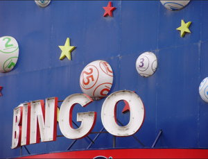 retro bingo hall sign screenshot