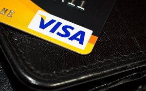visa card and wallet screenshot